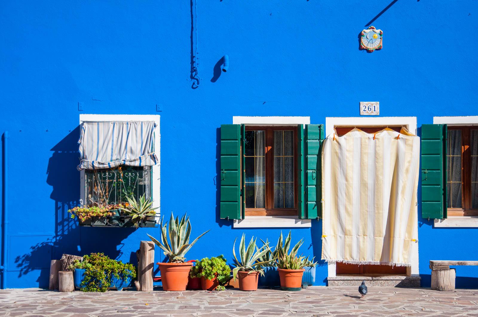 Spacer po kolorowym Burano