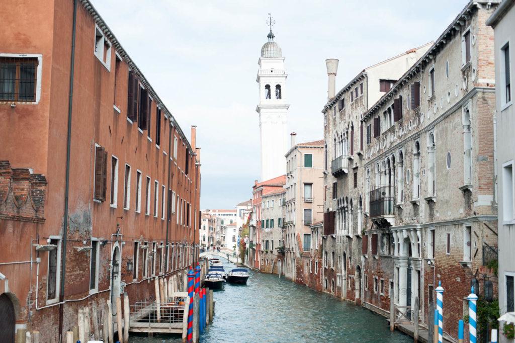 W Wenecji ciężko znaleźć prostą wieżę